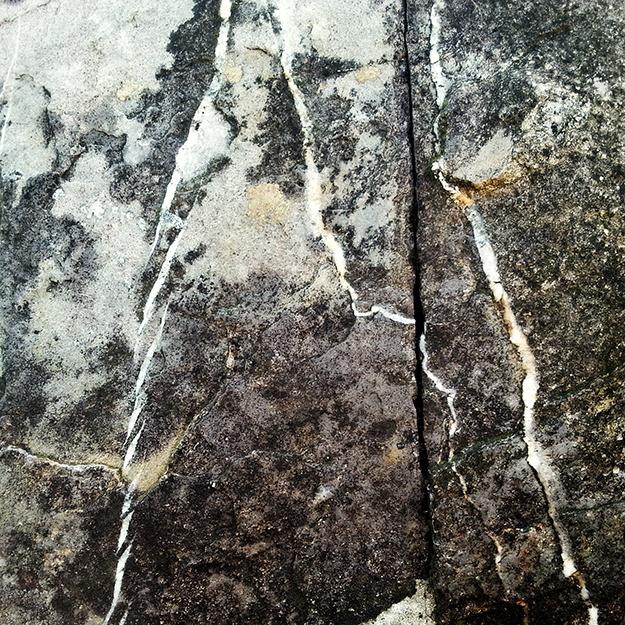 traces sur pierres